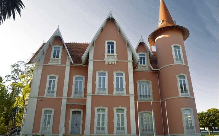 Palacete do Pena -Paços do Concelho Chalets e Palacetes em Alcobaça