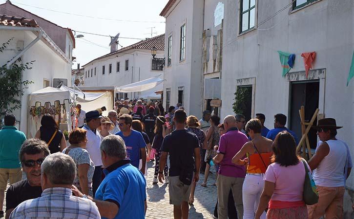 Outros Locais a Visitar em Alcobaça Rua Direita de Aljubarrota