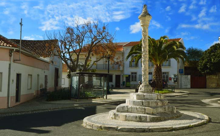 Outros Locais a Visitar em Alcobaça Pelourinho de Maiorga